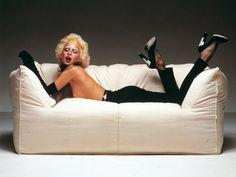 Bibambola sofa, Mario Bellini, | Oliviero Toscani designs the campaign that lauches Le Bambole (design Mario Bellini, COMPASSO D'ORO in 1972) @bebitalia