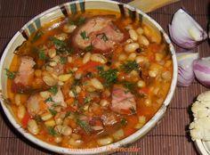 Visit Romania, The Turk, Romanian Food, Bean Soup, Chana Masala, Facebook, Drinks, Ethnic Recipes, Kitchens