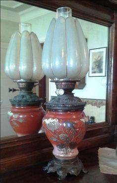 My grandmother's oil lamp / Anneannemden kalma gaz lambası... Feride Özmat - Istanbul / Turkey Antique Oil Lamps, Old Lamps, Antique Decor, Antique Furniture, Victorian Lighting, Vintage Lighting, Hurricane Oil Lamps, Turkish Lights, Piano Lamps