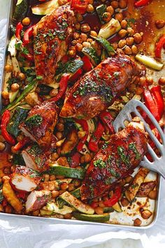 Baked Ginger Chicken Fillets with Oven Vegetables Recipe DELICIOUS - The marinated chicken is a real taste explosion and is ready in just 30 minutes! Heart Healthy Chicken Recipes, Healthy Rice Recipes, Delicious Crockpot Recipes, Chicken Recipes For Two, Vegetable Recipes, Oven Vegetables, Ginger Chicken, Marinated Chicken, Baked Chicken