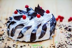 Ginger Bread offers online cake delivery in Chennai at best price. We also provide theme cakes, Cartoon cakes and Anniversary Cakes with countless shapes. For more details visit @ http://www.gingerbread.co.in/cakes/birthday-cakes.html