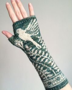 Knitting Patterns Gloves Ravelry: Mayfield Mitts pattern by Erica Heusser Knit Mittens, Knitted Gloves, Knitting Socks, Knitted Mittens Pattern, Wrist Warmers, Hand Warmers, Knitting Charts, Knitting Patterns, Fingerless Mitts