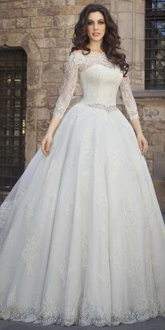 Charming Tulle Off-the-shoulder Neckline Ball Gown Wedding Dress With Beadings & Lace Appliques
