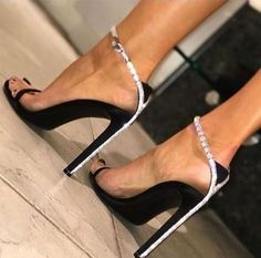 Boots are truly stylish and there is wide choice from flat-heels to stilettos, wedges, and platforms, boots are everything in between. Fab Shoes, Women's Shoes Sandals, Me Too Shoes, Shoe Boots, Heeled Sandals, Stilettos, Pumps, Ysl Heels, Frauen In High Heels