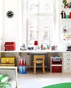 *bellaMUMMA {inspiration for a beauty-full life!}: home inspiration: KIDS DESKS