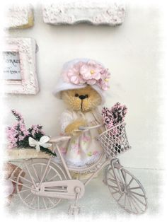 Out for a ride – Sharon Hale – Tedsby Boyds Bears, Teddy Bears, Bear Doll, Australian Artists, Hand Sewing, Baby Dolls, Doll Clothes, Decorative Boxes, Bedrooms