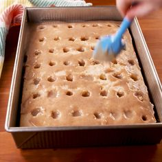 Get your cake pans ready for the most epic poke cake. It has everything you love about cinnamon rolls, even the cream cheese frosting! It's extremely decadent and exactly what we are craving at every moment of the day. Get the recipe at Poke Cake Recipes, Best Cake Recipes, Fun Easy Recipes, Sweet Recipes, Easy Meals, Favorite Recipes, Banana Pudding Recipes, Retro Recipes, Fast Recipes