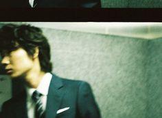 私たちは、ひとりで歩くことはできません。綾野剛 Go Ayano