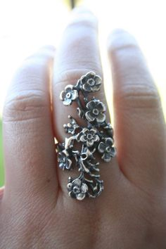 Vintage 925 Sterling Silver flowers and leaf design size 8 and half and 7 availa...