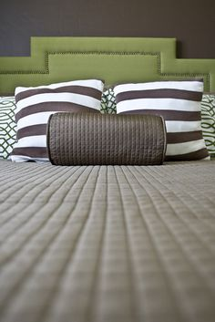 Gorgeous DIY headboard from Three Men and a Lady  http://windhula.blogspot.com