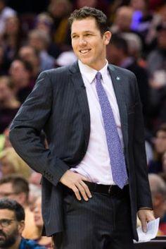 Lakers announce Luke Walton has been hired as head coach