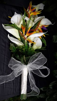 39 Ideas Bird Of Paradise Wedding Bouquet Calla Lilies Hibiscus Wedding, Tropical Wedding Bouquets, Lily Bouquet Wedding, Calla Lily Bouquet, Wedding Ceremony Flowers, Calla Lilies, Floral Wedding, Calla Lily Wedding Flowers, Tropical Weddings