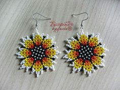 Sunflower I needed showing you steps to make a bracelet with natural stone and leather thread with video. Seed Bead Jewelry, Seed Bead Earrings, Beaded Earrings, Beaded Jewelry, Crochet Earrings, Flower Earrings, Crochet Flower Patterns, Beading Patterns, Leather Thread
