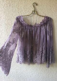 Anthropologie Off shoulder violet lace gypsy boho peasant top / Bohemian Angel Bohemian Mode, Bohemian Style, Boho Chic, Fashion Prints, Boho Fashion, Womens Fashion, Gypsy Style, My Style, Bohemian Schick