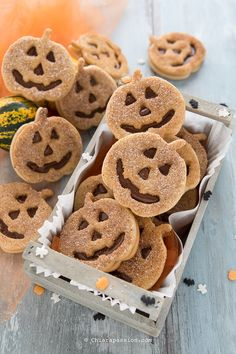Easy Halloween Snacks, Halloween Games For Kids, Halloween Food For Party, Halloween Cookies, Nutella Biscuits, Party Snacks, Cookie Recipes, Sweet Treats, Food And Drink