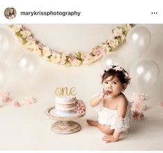 52 Ideas Baby Girl Birthday Cake Smash For 2019 Girls First Birthday Cake, Birthday Girl Pictures, 1st Birthday Cake Smash, Baby Girl Birthday, Birthday Ideas, 1 Year Birthday, Birthday Wall, First Birthday Decorations, Birthday Parties