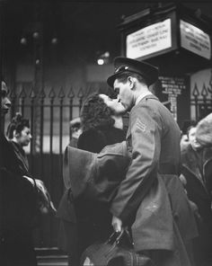 True Romance: The Heartache of Wartime Farewells, April 1943 by Alfred Eisenstaedt at the height of the Second World War.