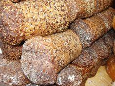 Chleby razowe z ziarnem