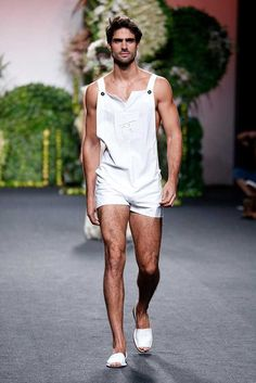 Francis Montesinos Spring-Summer 2018 - Mercedes-Benz Fashion Week Madrid - Jumpsuits and Romper Male Fashion Trends, Summer Fashion Trends, Fashion Week, Look Fashion, Trendy Fashion, Mens Fashion, Fashion Outfits, Men's Spring Summer Fashion, Men Summer