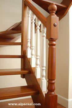 Escalera completa de madera con barandilla torneada lacada.  http://www.alpacasl.com/