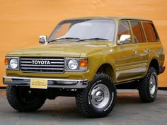Oh man... This modified 80 Series gives me the feels... Looks just like a 60!