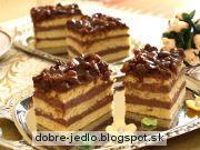 Čokoládovo-hrozienkové rezy Tiramisu, Cupcake, Ethnic Recipes, Food, Cupcakes, Essen, Cupcake Cakes, Meals, Tiramisu Cake