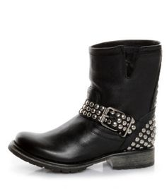 Studded motorcycle boots-heck yes!