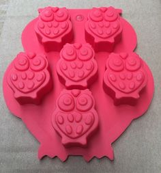 If you fancy something sweet, nothing is sweeter than this super-cute silicone Owl mold! The mold itself is shaped like an owl and contains 6