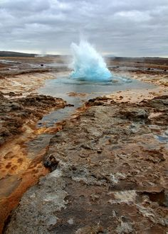 Strokkur geyser, Arnessysla, Iceland.  Photo: Rob Kroenert via Flickr