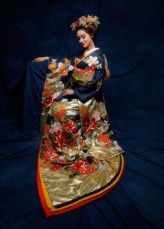 Hanami: Kimono Q&A: Wedding Kimono Japanese Wedding Kimono, Japanese Costume, Traditional Japanese Kimono, Japanese Outfits, Japanese Clothing, Kimono Pattern, Bride Hairstyles, Asian Fashion, Party Dress