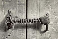 Le seau de la tombe de Toutankhamon, 1922. (Intact depuis 3245 ans)