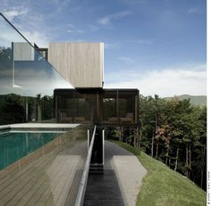 :: heart :: House in the Laurentian Mountains by Saucier+Perrotte Architects - beautiful frameless glazing details