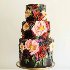 """The Wedding Disrupters: """"Wow! Isn't this beautiful? Hands up who is having a cake a little different to the norm? Gorgeous Cakes, Pretty Cakes, Amazing Cakes, Wedding Cakes With Cupcakes, Cupcake Cakes, Cupcake Wedding, Traditional Wedding Cake, Floral Cake, Floral Wedding Cakes"""