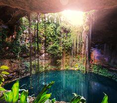 En tu paso por #Cancun, no seas indiferente al patrimonio natural y cultural de la Península de Yucatán. Disfruta de un paseo por los magníficos #cenotes que le dan misterio y belleza a estas tierras tropicales.  http://www.bestday.com.mx/Paquetes/Volaris/