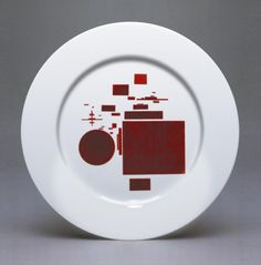Plate Suprematist design by Nikolai Suetin, pupil and colleague of Kazimir Malevich, 1923-24.