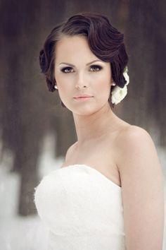 Elegant wedding makeup - My wedding ideas Wedding Hairstyles For Women, Bride Hairstyles, Vintage Hairstyles, Hairstyles Videos, Pretty Hairstyles, Natural Wedding Makeup, Wedding Hair And Makeup, Bridal Makeup, Elegant Wedding