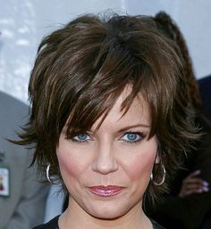 Cute - short- flippy hair on Martina McBride!