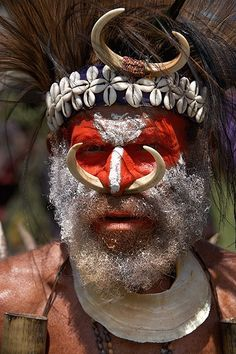 Iñaki Caperochipi Photography - travels Oceania Papua New Guinea Cara Tribal, Tribal Face, We Are The World, People Around The World, Anthropologie, Papua Nova Guiné, Tribal People, African Tribes, World Cultures