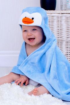 Buy Penguin hooded baby towel for all the cute baby penguin boys and girls! This penguin baby hooded bath towel makes a cute new baby gift. It can be personalized with babies name at the back to make an extra special personalized baby gift. Penguin Baby Showers, Cute Baby Penguin, Baby Shower Presents, Baby Presents, Baby Gift Sets, Baby Boy Gifts, Toddler Towels, Hooded Bath Towels, Baby Towel