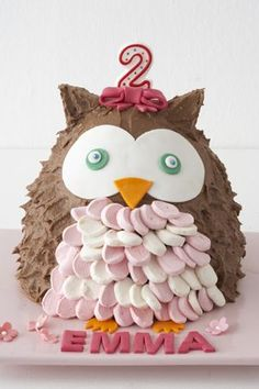 Owl Birthday Cake. She even told her Mum that Aunty Leelee (me) would be able to do a great job of it. So of course I did. I made a simple flat owl s