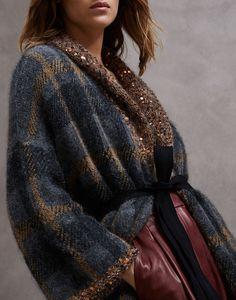 Pulls et cardigans pour femme Knitwear Fashion, Knit Fashion, Fashion Outfits, Womens Fashion, Style Couture, Couture Fashion, Knit World, Estilo Glamour, Creation Couture
