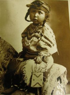 Vintage photo, Native Am. child w/beaded purse.