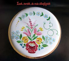 Hungarian cake Hungarian Cake, Hungarian Recipes, Hungarian Food, Cake Cookies, Cupcakes, Cake Art, Art Cakes, Cookie Decorating, Decorative Plates