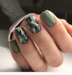 If your boyfriend or husband is a glorious soldier, I'm sure you'll like camouflage nail designs or camo nail designs. These are perfect attempts to use Camouflage Nail Design in another modern style. If you also like camouflage nail designs, look Camo Nail Designs, Square Nail Designs, Short Nail Designs, Acrylic Nail Designs, Nail Art Designs, Trendy Nails, Cute Nails, Diy Ongles, Army Nails