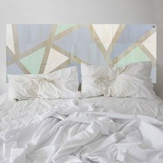 And then he flashed those baby blues. This KALEIDA headboard has been thoughtfully designed, balancing a kaleidoscope of fashionable colours.
