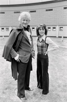 Doctor Who's Jenna-Louise Coleman quits role as Time Lord's assistant and will leave at Christmas - Mirror Online