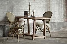 LUCAS stolik teakowy i krzesła rattanowe ROSSINI. Sika-Design