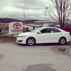 Its a #beautiful day to buy a car!  We'll work hard to get you into the vehicle that you want! #CustomerService is our priority!  #HandyToyota #Toyota #Camry #Venza #Tacoma #Tundra #RAV4 and much more!