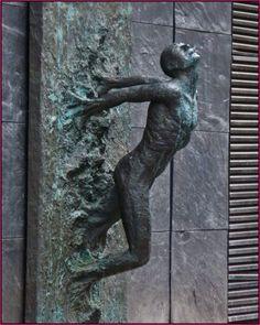 Door knockers unique 1 - Savvy Ways About Things Can Teach Us Door Knockers Unique, Door Knobs And Knockers, Knobs And Handles, Door Handles Vintage, Cool Doors, Unique Doors, Door Accessories, Door Furniture, Door Pulls