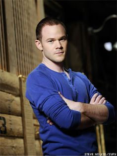 Aaron Ashmore of Warehouse 13, plays Agents Jinks.  Twin brother of Shawn Ashmore.  Yes ladies, there are two of them.
